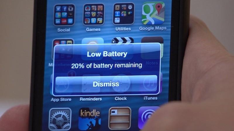 Почему нельзя оставлять на ночь телефон на зарядке