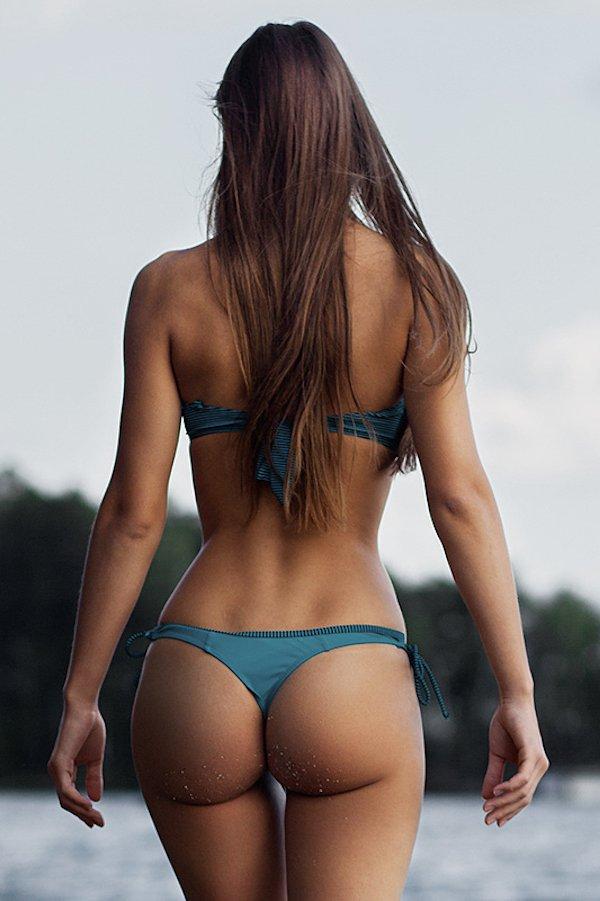 несколько фото красивых круглых поп пляже